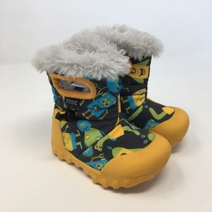 Bogs B-Moc Yellow Monsters Boots size 6 toddler